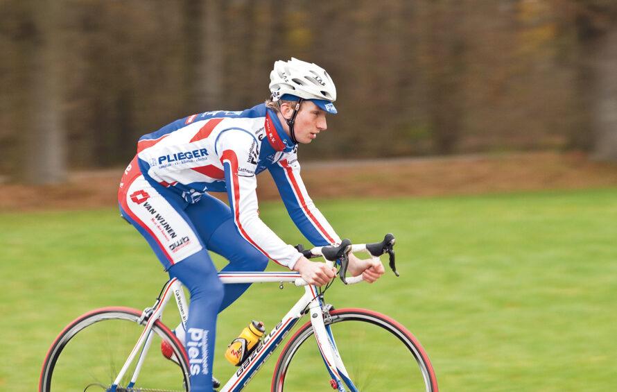 Jasper Hamelink rammelt aan de poort van het prof-peloton
