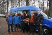 Henk Berends zwaait af als chauffeur buurtbus