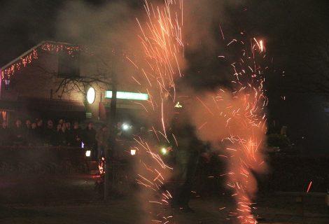 Lierderholthuis geniet van vuurwerkshow