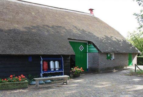 Heinose ouderen gaan op bezoek in Staphorst