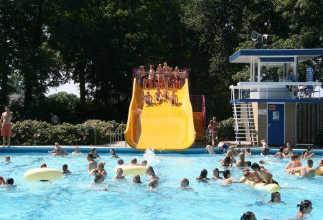 Zwembad de Tippe blijft langer open