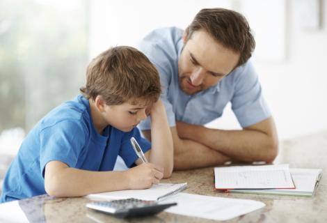Onderwijsbegeleiding voor kinderen van ouders met een smalle beurs