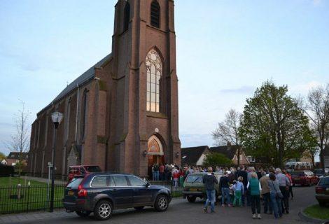 Onderhoud aan kerk in Lierderholthuis