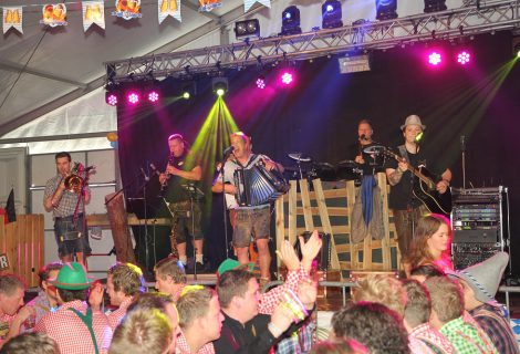 Duitse hoempapa muziek nieuw ingrediënt Oktober Feest Heino