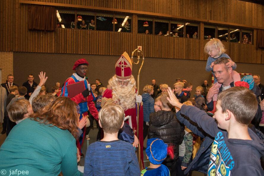 Sinterklaas komt aan in Sporthal Hoogerheyne