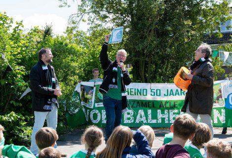 Jubileumjaar vv Heino van start met de Panini-actie