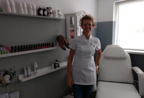 Pedicure Maris behandelt in praktijk en bij mensen thuis