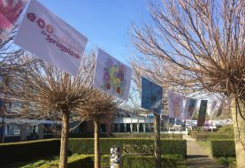 Kinderen De Springplank versieren tuin Wooldhuis en Solace