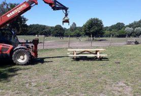 Drie nieuwe picknicktafels voor Landgoed 't Rozendeal